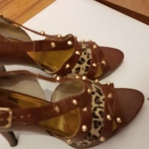 Baby Girl leopard design brown shoes. Size 10 M